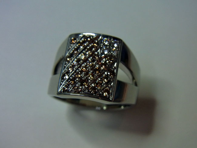 PT900 プラチナ ブラウンダイヤ デザインリング 12